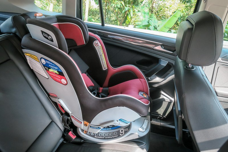 VW Tiguan with Carseat