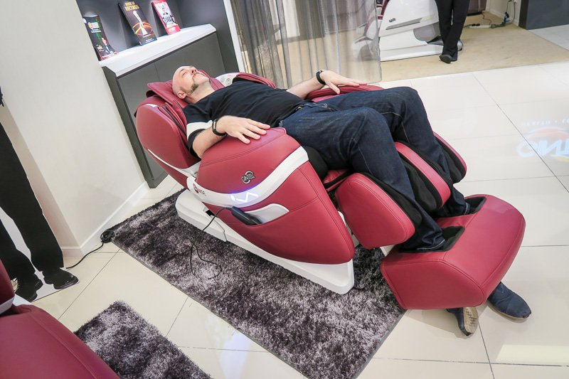 Gintell GT9008 DéWise Wisdomatic Massage Chair